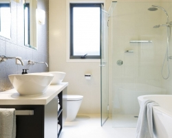 brunswick_modern_bathroom_pic02