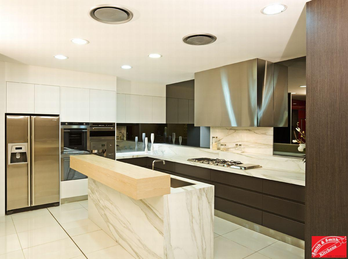 Contemporary kitchen gallery contemporary kitchens for Kitchen display