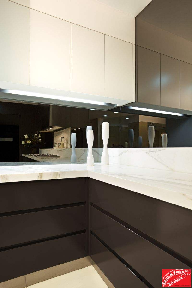Caulfield north clever modern kitchen smith smith for Modern kitchen looks