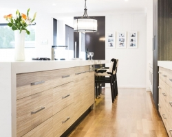 Long Island Bench, Two Tone Kitchen, Timber Floor