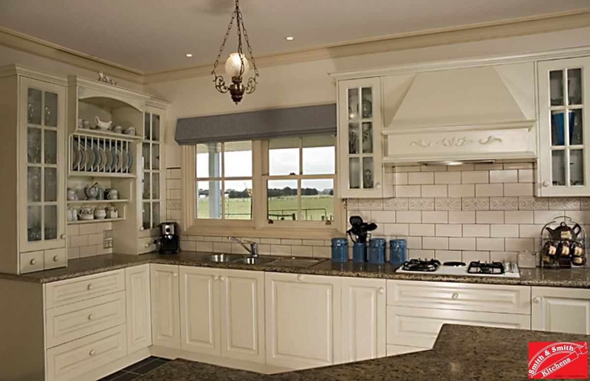 Balwyn country kitchen smith smith for Kitchen and design
