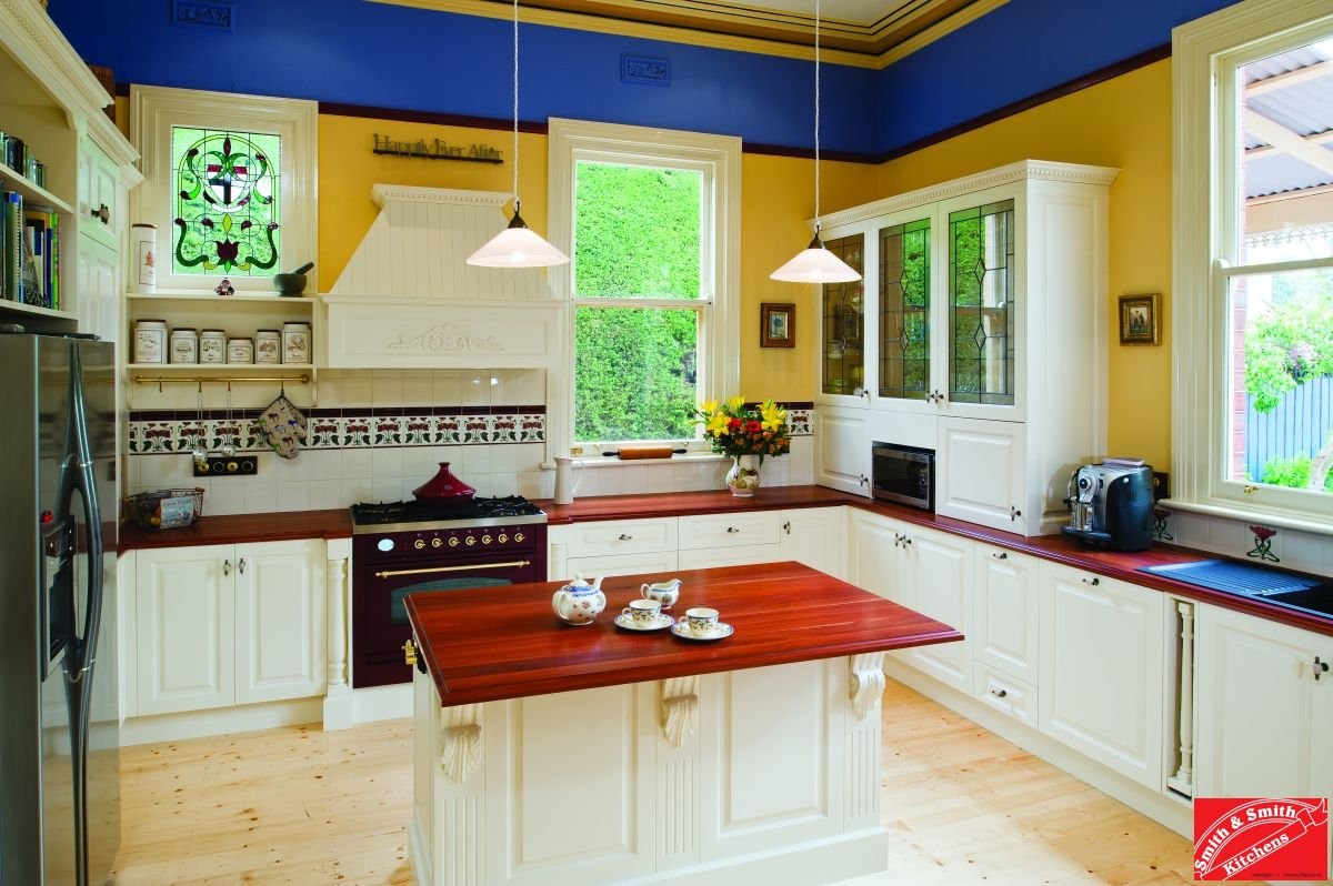 Smith Smith Kitchens: Country Kitchen Gallery