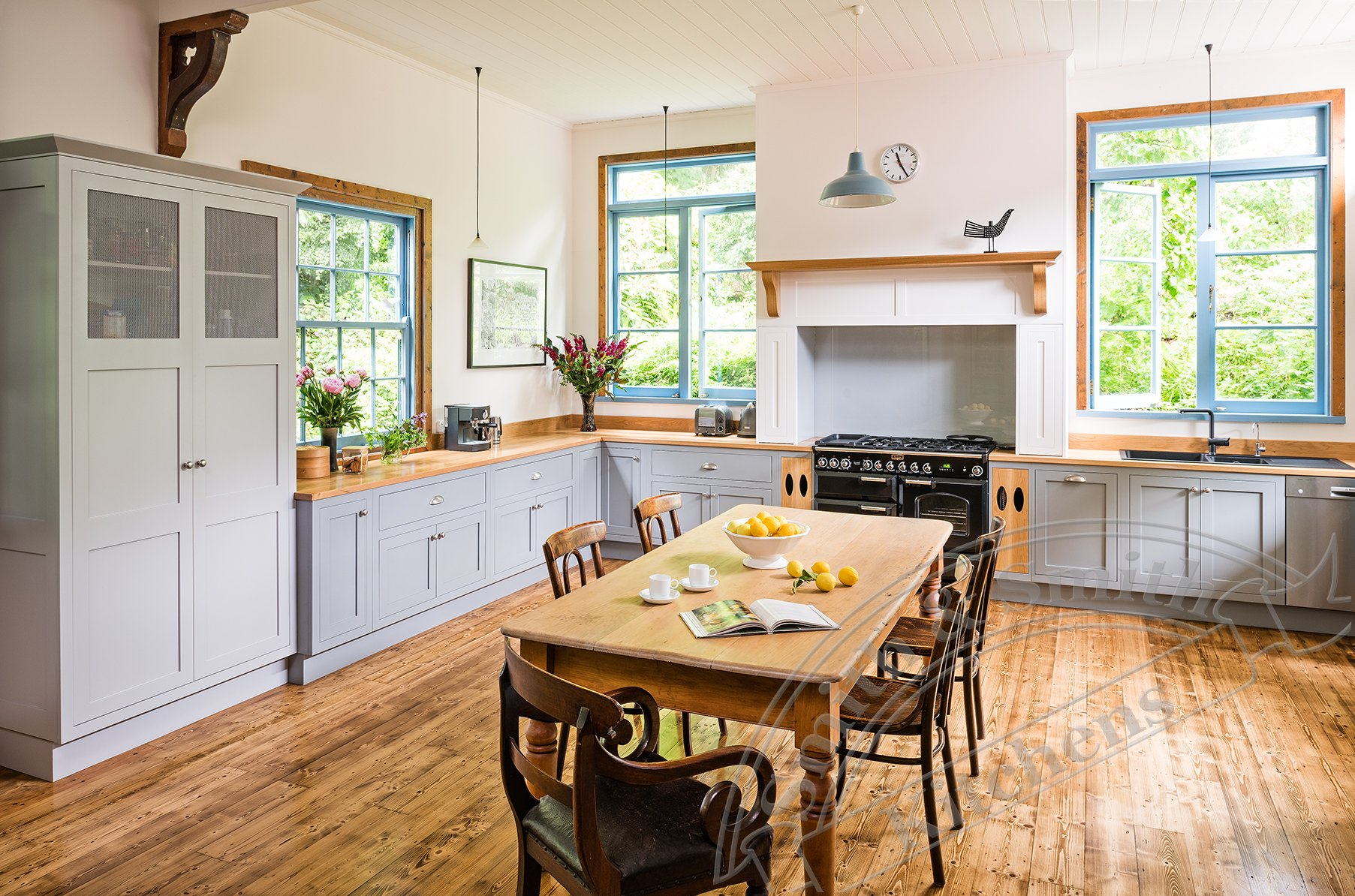 Modern country kitchen clematis smith smith for Contemporary country kitchen