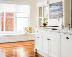 Patterson Lakes Classic Kitchen - Cabinetry by Smith & Smith, photos by Tim Turner