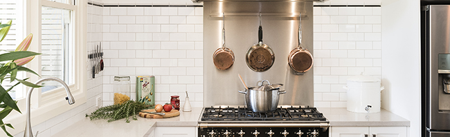 Kitchen Splashback: Stainless Steel